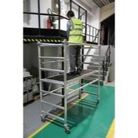 Folding Scaffold 178x74cm 3 Handrail/Platform Silver 383445